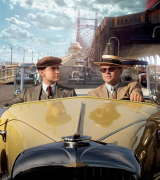 the great gatsby gatsby and nick s The great gatsby follows fitzgerald-like, would-be writer nick carraway (tobey maguire) as he leaves the midwest and comes to new york city in.