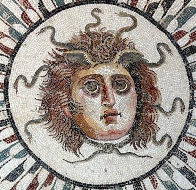 1024px-Sousse_mosaic_Gorgon1_03