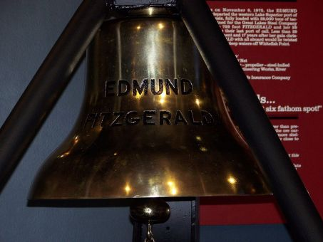 1024px-Ships_Bell_2