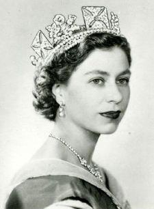 Queen_Elizabeth_II_Photographic_Portrait_by_Dorothy_Wilding.jpg