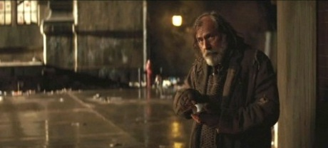 homeless-man-batman-begins-20080502050552657-000