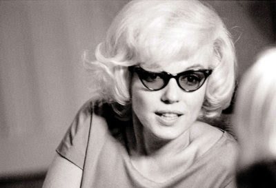 marilyn-monroe-cat-eye-glasses1