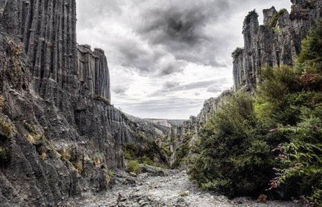 Lord-of-the-Rings-Tour-Location-Putangirua-Pinnacles
