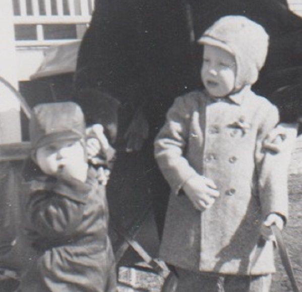 Patrick T. Reardon (right) at the age of two with his brother David. Not shown, their baby sister Mary Beth, three months