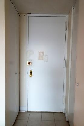 Roig_front door