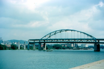 Pittsburgh_-__Bridge_to_Nowhere_