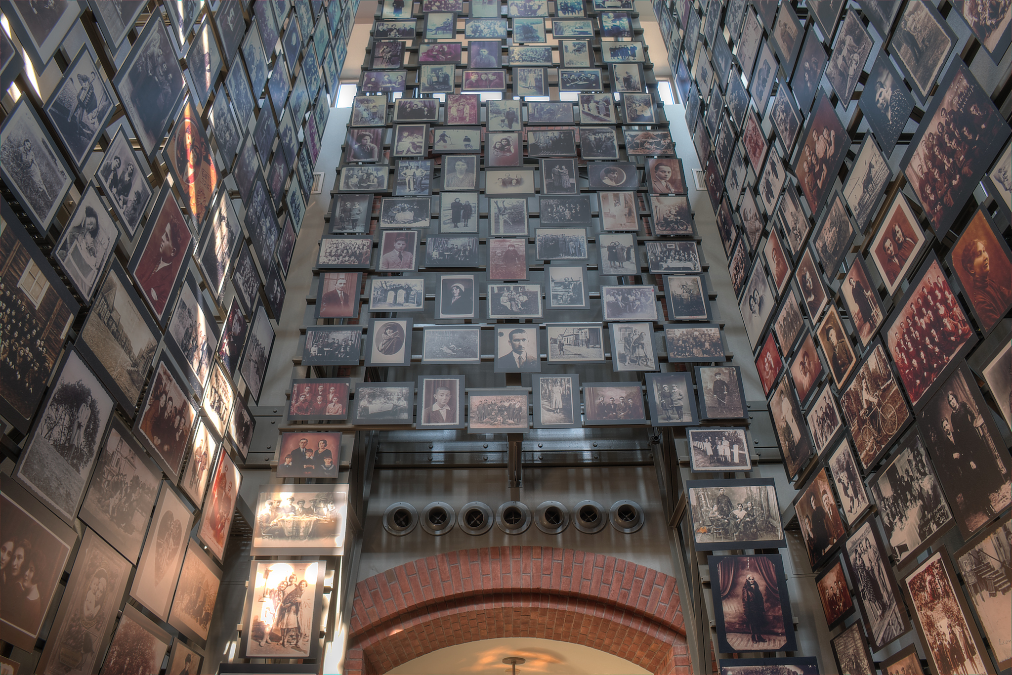 hall of faces, holocaust museum
